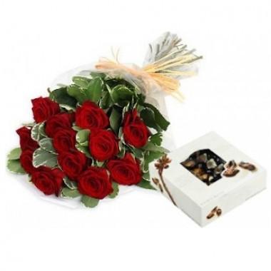 Bouquet de 12 rosas con chocolates