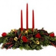 Arreglo navideño con 3 velas