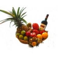 Canasta con frutas y vino