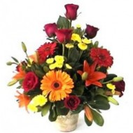 Hermosa canasta de lisianthus, lirios entre otras flores