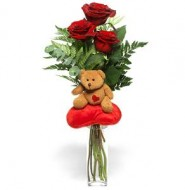 3 rosas y un oso de peluche