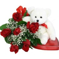 Bouquet de 6 rosas. Incluye Chocolates y Oso