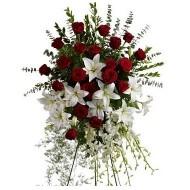 L�grima de rosas, lirios y gladiolos