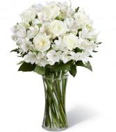Lirios y rosas blancas